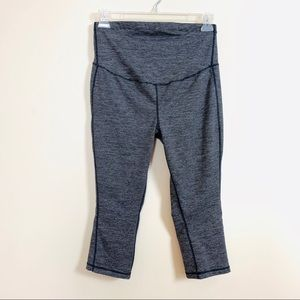 Old Navy Active Maternity Go-Dry High Rise crop